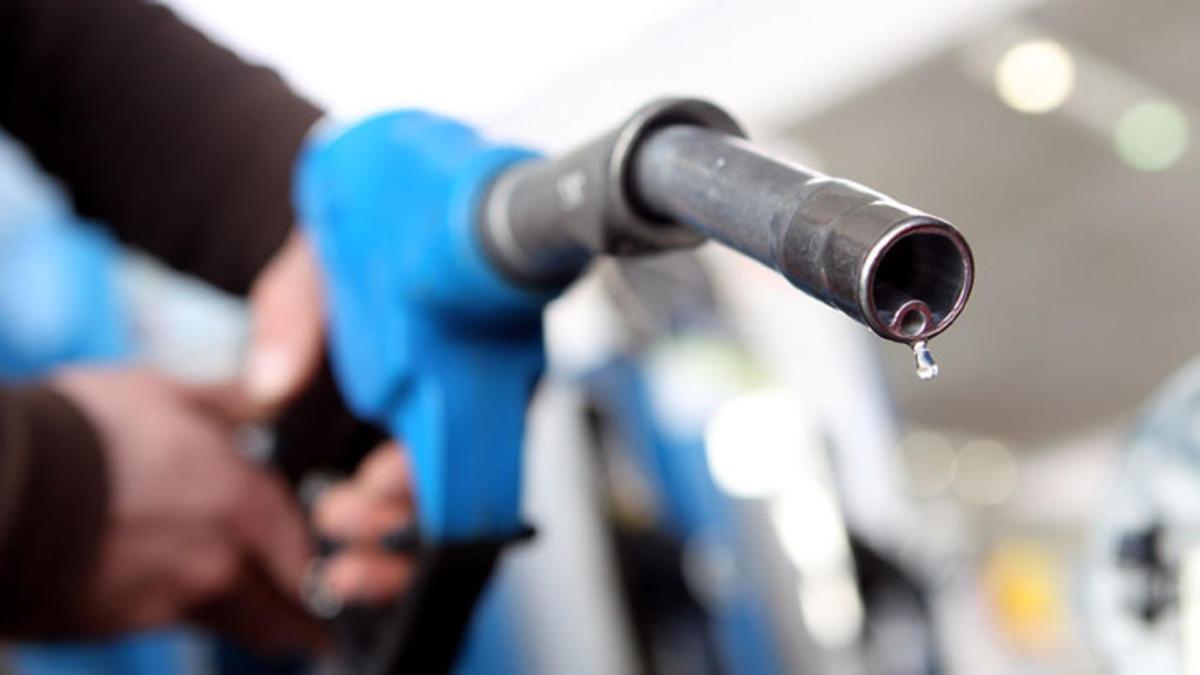 سعر البنزين - لجنة التسعير التلقائي - تراجع في أسعار البنزين , أسعار البنزين , بنزين 80 , بنزين 92 , بنزين 95 , سعر بنزين , بنزين , البنزين , سعر