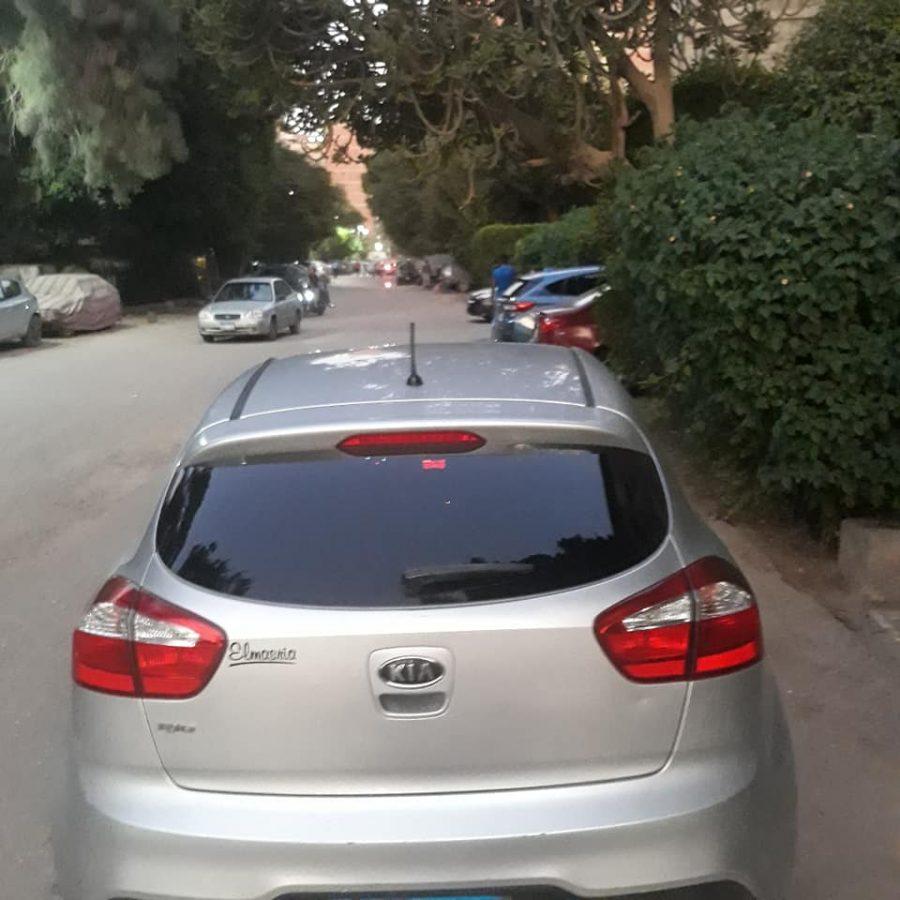 car-img