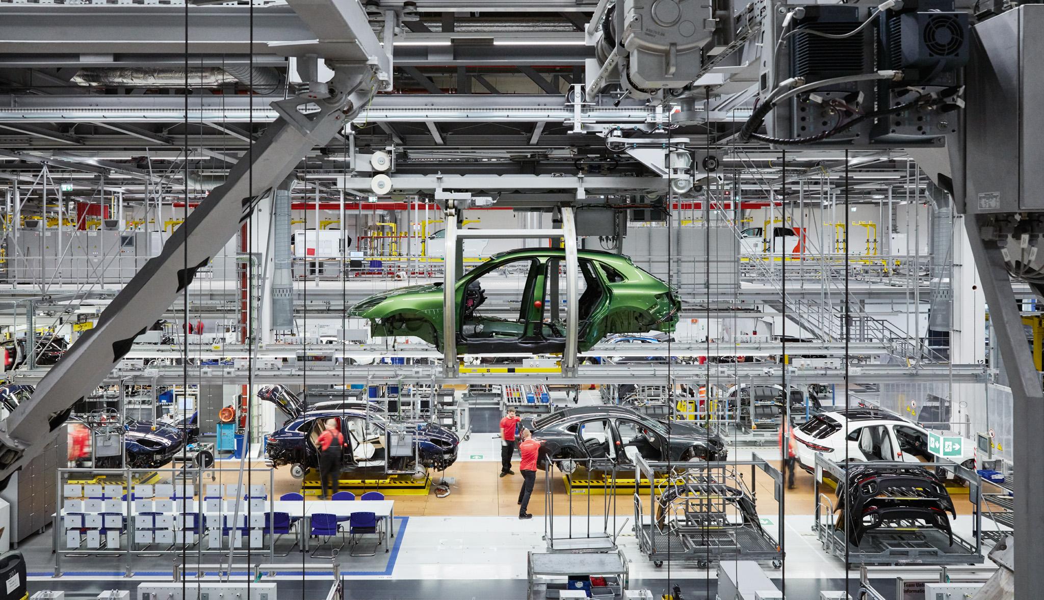 صناعة السيارات , قطاع السيارات , افريقيا , المغرب , مصر , إفريقيا , مايك ويتفيلد , نيسان , نيسان مصر , Nissan , الصناعات المغذية , فرص قطاع السيارات المصري